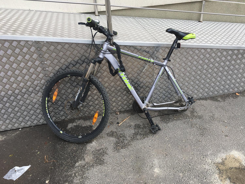 Furat roata de la bicicleta