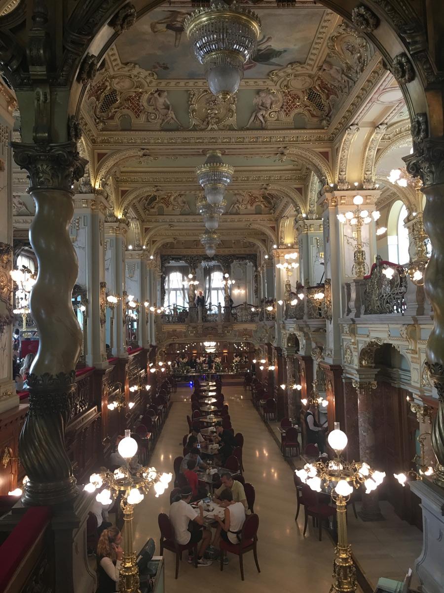 New-York-Cafe-Budapesta---De-vizitat